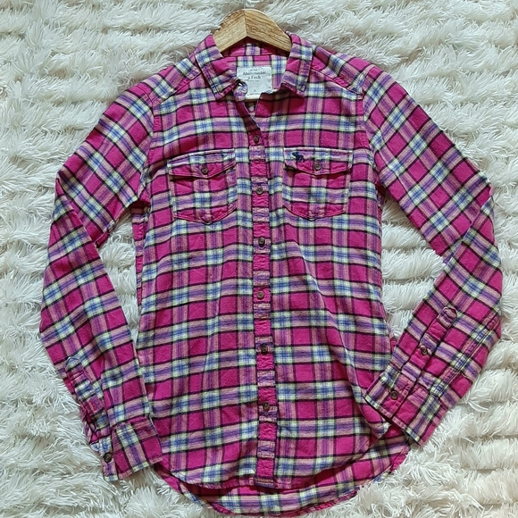 ❄3/$20--Abercrombie and Fitch Plaid Top